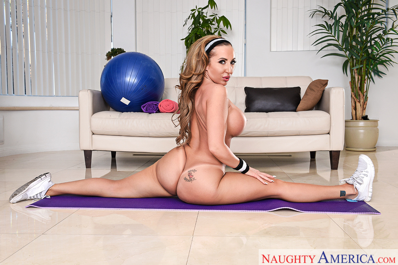 Richelle Ryan Damon Dice Naughty America Booty Source 1