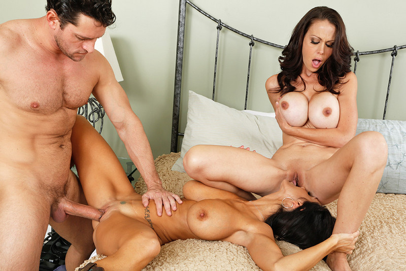Milf And Teen In Hot Threesome